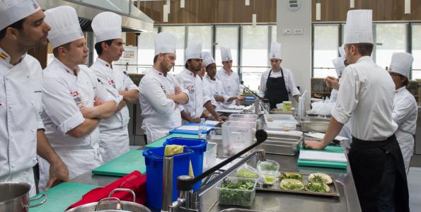 Los alumnos de VI Programa de Formación en Gastronomía Española se van de prácticas