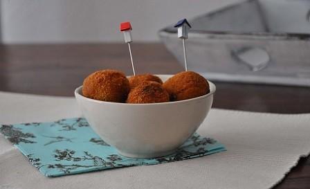 Croquetas de queso azul y cebolla caramelizada