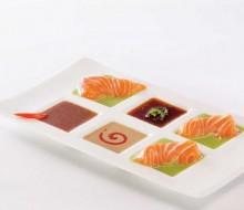Sashimi con salsa y crema de wasabi