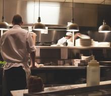 ¿Qué profesionales busca el sector hostelero?