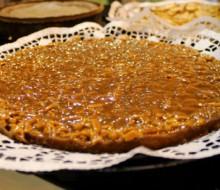 Tarta de almendras y piñones