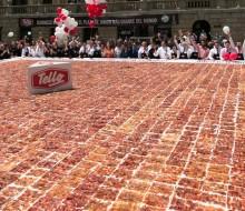 El plato de jamón cortado más grande del mundo