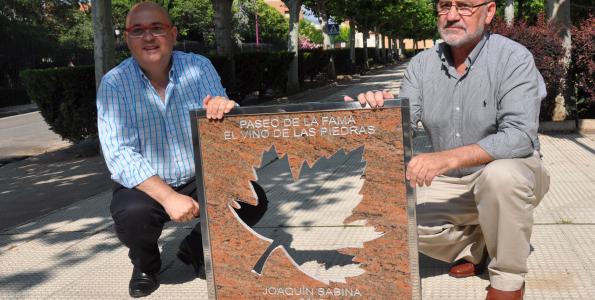 Joaquín Sabina estrena el Paseo del Vino de la DO Cariñena
