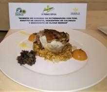 Bombón de cordero de Extremadura con foie, risotto de amanita, semiesfera de calabaza y bizcochito de olivas negras