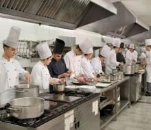 Reino Unido quiere fichar a 300 cocineros españoles